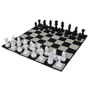 giant-chess-set-3