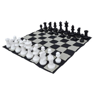 giant-chess-set-2