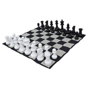 giant-chess-set-2
