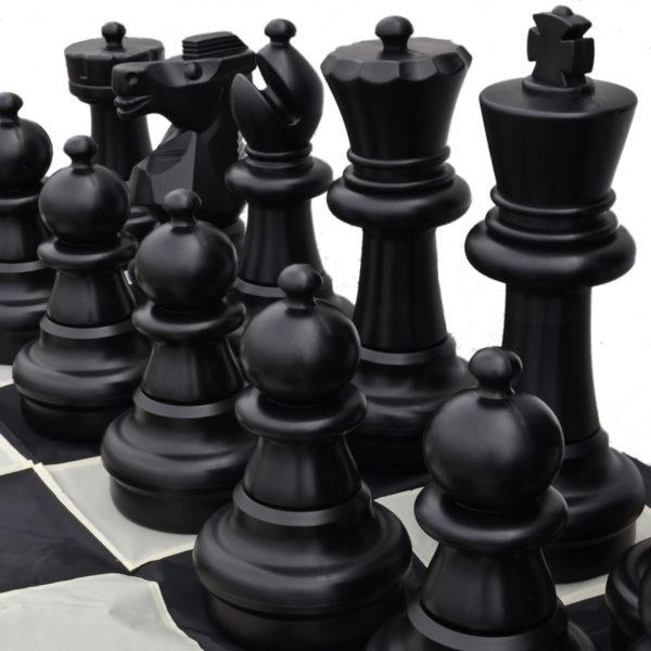 giant-chess-pierces-black
