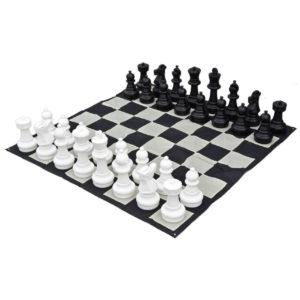 giant-chess-set